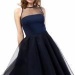 niebieska-sukienka-z-przezroczystosciami